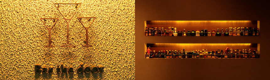 bar_the_door03